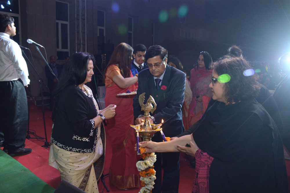 """SEEKING THE BLESSINGS OF THE GODDESS OF LEARNING THROUGH THE LIGHTINGING OF THE LAMP- SIGNIFYING KNOWLEDGE & WISDOM"""" Respected Chairperson Dr (Mrs) Amita Chauhan, Mr B.N.Bajpai- Advisor (R & D), Ms Vira Sharma-Managing Editor"""