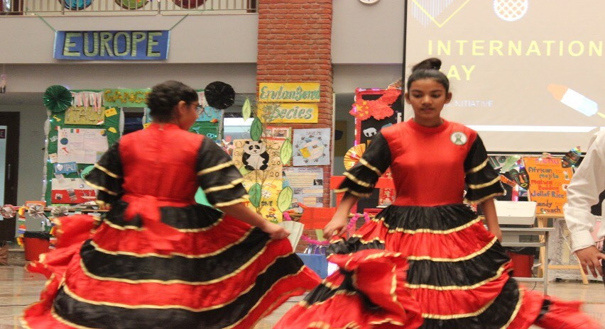 Jarabe Tapatio or Mexican Hat Dance: performance of the national dance of Mexico