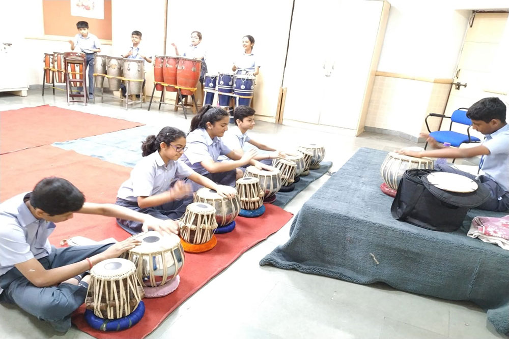 LEARNING THE BEATS ON THE TABLA